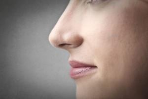krzywa przegroda nosowa u pacjentki